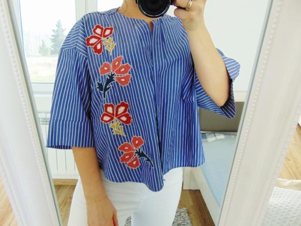 Zara szersza bluzka z haftem paski