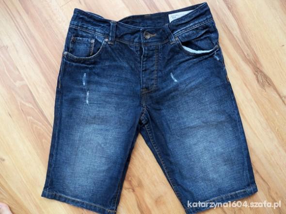 Spodenki jeansowe Bershka z przetarciami 36 38...