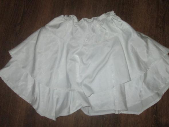 Spódnice Asymetryczna spódniczka rozkloszowana rozmiar 38 ZOUL
