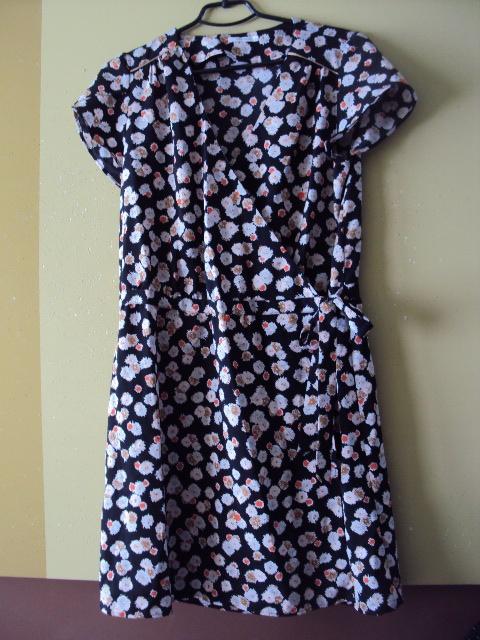 zakładana sukienka Promod...
