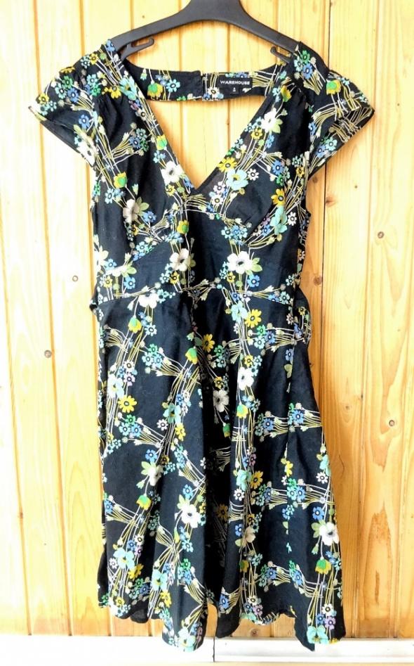 Sukienka czarna kwiaty dekolt plecy Warehouse 36 s