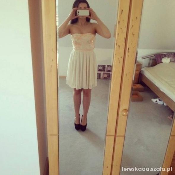 Sukienka tiulowa z cekinami S 36 UK 8