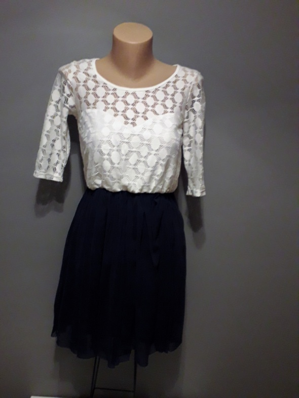 Suknie i sukienki sukienka biała granatowa z gumką w pasie