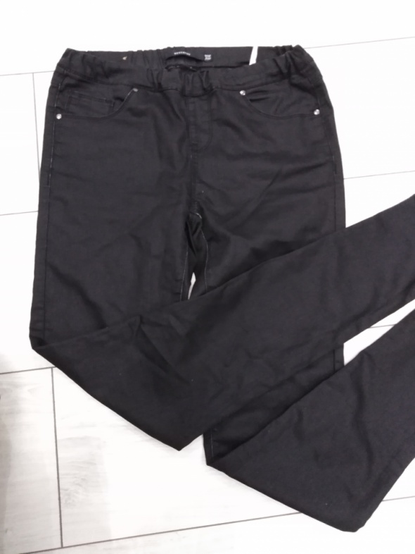 Spodnie czarne tregginsy w28 l32 reserved