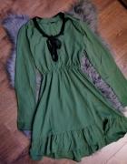 sukienka z wiązaniem przy dekolcie cropp