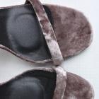 Szpilki sandałki