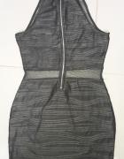 Czarna sukienka z tiulem w pasie S Amisu...