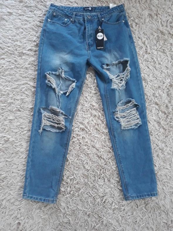 sexy jeansy z dziurami
