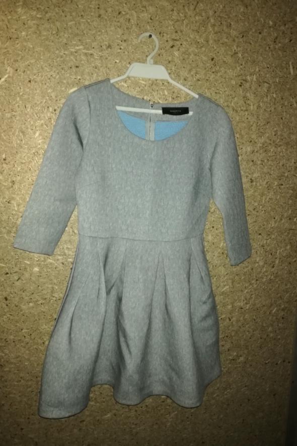 Reserved Szara rozkloszowana sukienka 40...