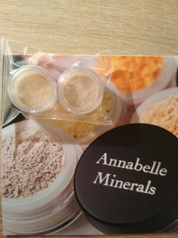 Twarz Dwa podkłady Annabelle Minerals