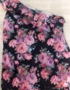 bluzeczka hiszpanka w kwiaty na jedno ramię