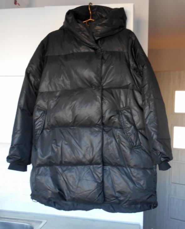 Reserved czarny puchowy płaszcz kurtka oversize...
