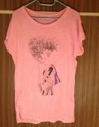 Koszulka różowa elastyczna nadruk kobiety kobieta...