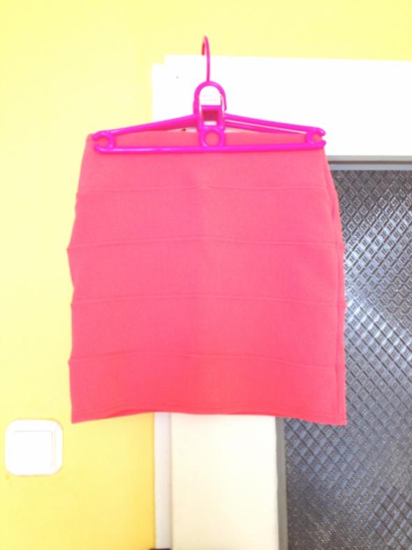 Spódnice Mini pastelowa brzoskwiniowa obcisła XS S M 34 36 38 używana