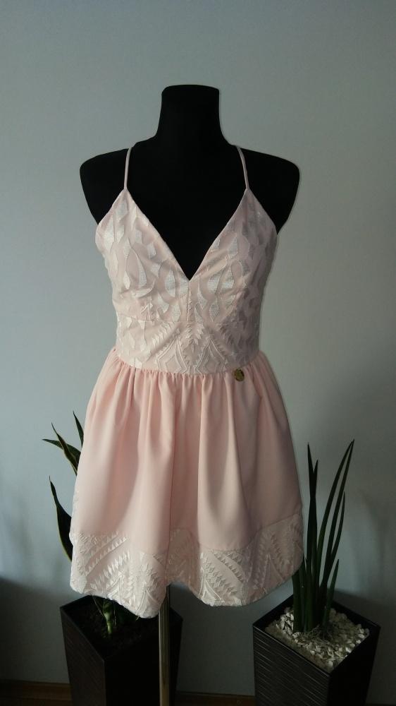 Sukienka pudrowy róż sznurowana...