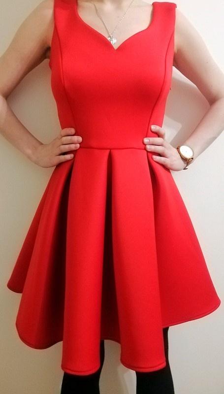 Czerwona rozkloszowana sukienka tulipan rozmiar S