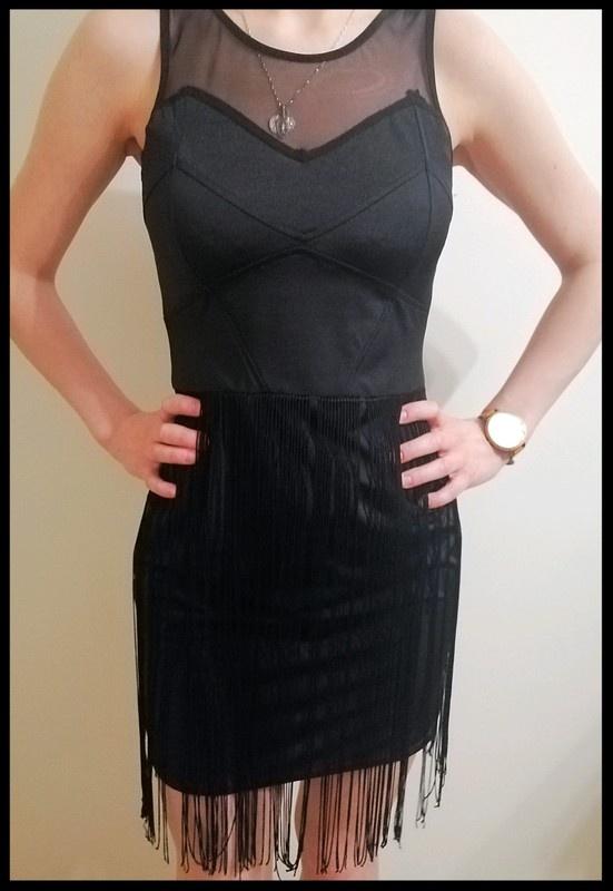Sukienka lata 20 frędzle dopasowana rozmiar S