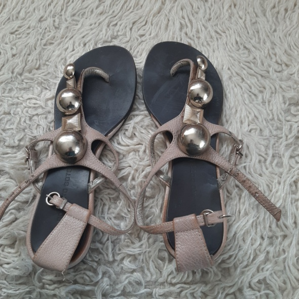 Japonki Przebojowe bardzo stylowe sandały japonki