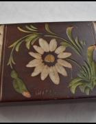 Skrzyneczka szkatułka drewniana rzeźbiona 15 x 10 cm...