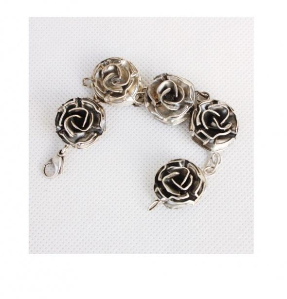 Unikatowa srebrna bransoletka róże