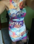 Kolorowa sukienka obcisła...
