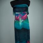 Długa sukienka kolorowa z falbanką