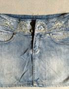 jeansowa spódniczka z cekinami...