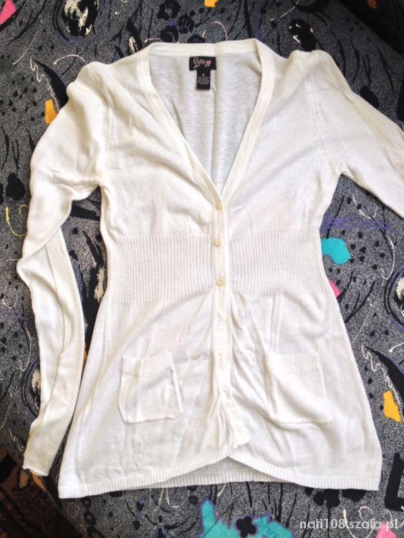 Biały dzianinowy sweterek rozm 38 40