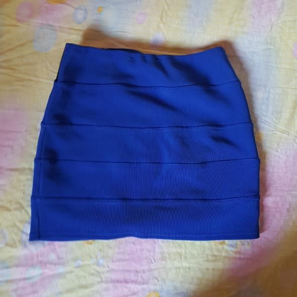 Spódnice Granatowa dopasowana spódniczka