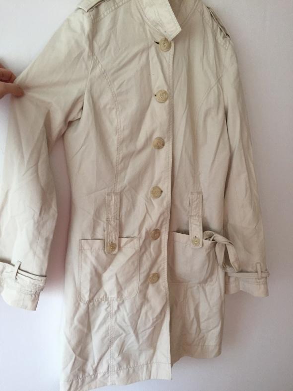 Odzież wierzchnia Reserved płaszczyk nude beż L