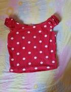 Czerwona bluzka w białe kropki