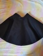 Rozkloszowana piankowa spódniczka
