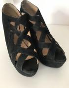 Sandały 39 koturny czarne paski wygodne stabilne...