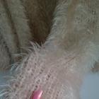 Włochaty sweter Lindex