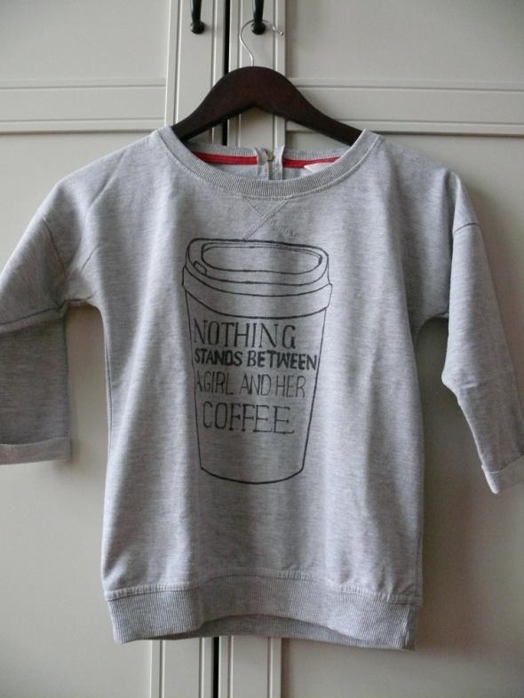Bluza z ręcznie wykonanym printem