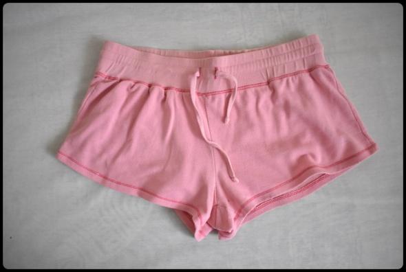 Spodenki Różowe krótkie spodenki szorty na gumce 38 M