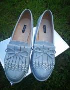 Szare mokasyny na podwyższeniu z perełkami 39 buty skórzana wkładka