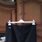 Klasyczna nowa spodnica czerń