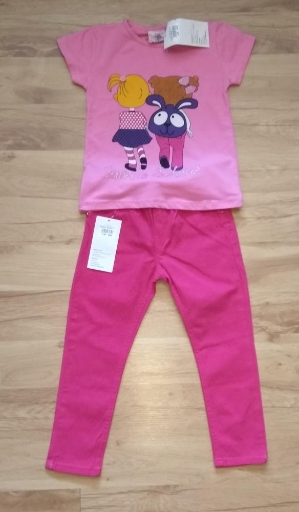 Różowa bluzka z krótkim rękawm i różowe spodnie 98