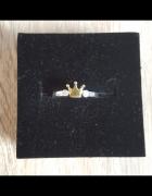 Nowy srebrny pierścionek koronka złota kolorowana cyrkonie rozmiar uniwersalny