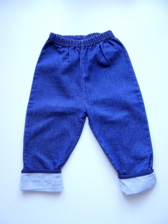 Spodnie jeansowe rozmiar od 6 do 12 miesięcy