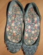 Piękne jeansowe balerinki z różyczkami 37...