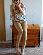Beżowe spodnie tregginsy rurki skinny...