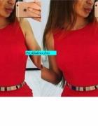 Subtelna zmysłowa czerwona sukienka