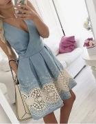 Błękitna niebieska sukienka z haftem koronka Mosquito kopertowa rozkloszowana