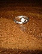 pierścionek z cyrkonią