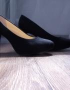 Czarne czółenka zamszowe Graceland...
