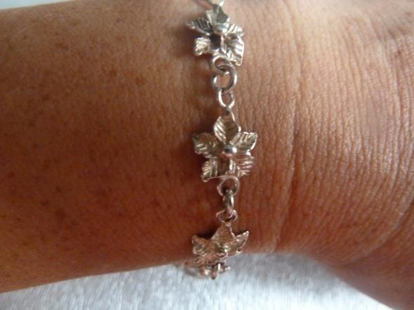 bransoletka srebrna kwiatuszki...