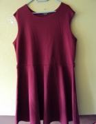 burgundowa rozkloszowana sukienka...