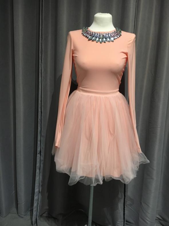 Sukienka łososiowa koronkowa r36...
